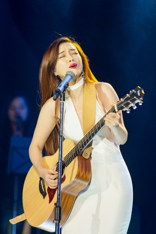 Hòai Lâm giành giải 1 tỷ đồng tại Bài hát yêu thích - 10
