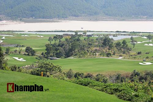 Người đẹp châu Á tranh tài ở giải golf Việt chuyên nghiệp - 11