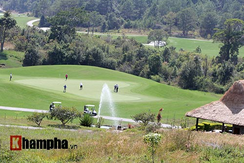 Người đẹp châu Á tranh tài ở giải golf Việt chuyên nghiệp - 12