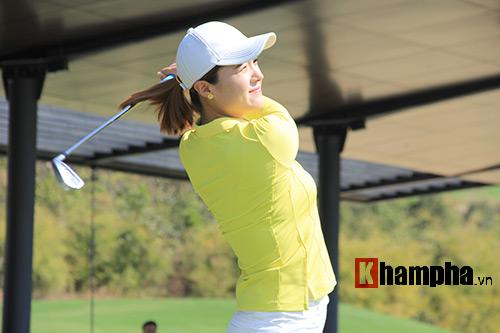 Người đẹp châu Á tranh tài ở giải golf Việt chuyên nghiệp - 2