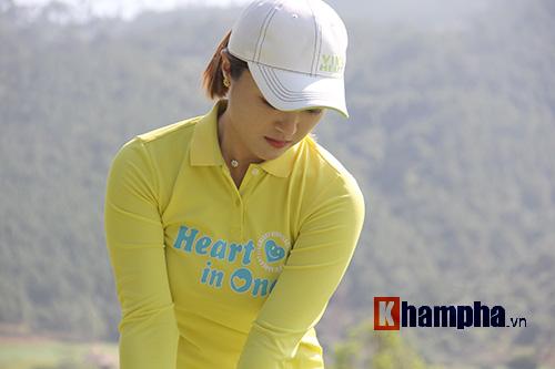 Người đẹp châu Á tranh tài ở giải golf Việt chuyên nghiệp - 5