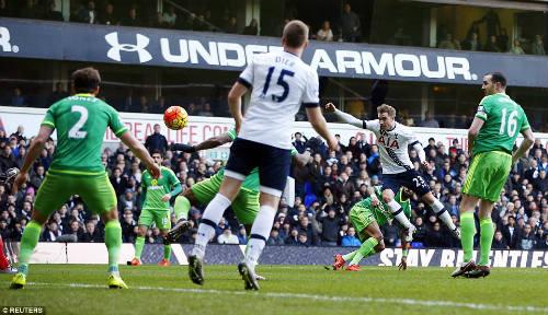 Tottenham - Sunderland: Hiệp 2 bùng nổ - 1