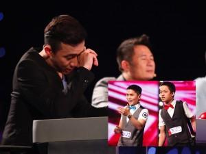 Trấn Thành khóc vì cặp anh em người Quảng Trị