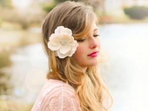 Thơ tình: Cài hoa trên tóc em