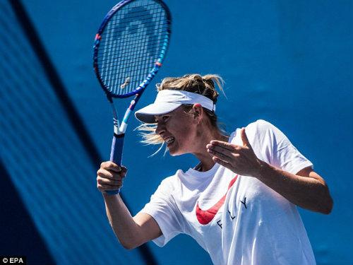 Sharapova gặp rắc rối về nội y trước Australian Open - 2