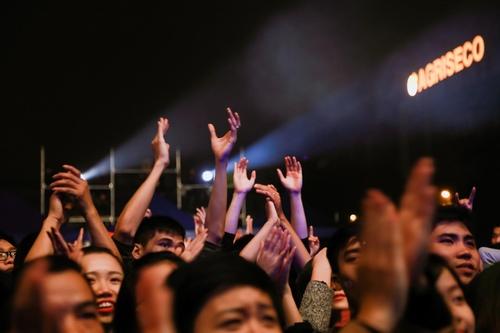 Trần Lập quá mạnh mẽ khiến hơn 10.000 fan vỡ oà - 4