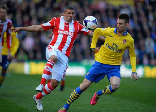 Stoke City - Arsenal: Vượt núi ở Britannia - 1