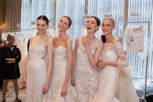 10 mẫu váy biến cô dâu thành nữ hoàng trong ngày cưới - 1