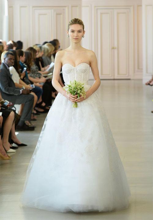 10 mẫu váy biến cô dâu thành nữ hoàng trong ngày cưới - 3