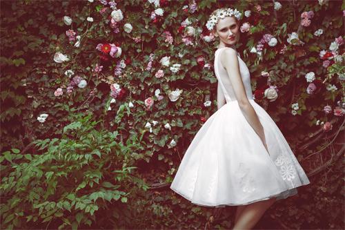 10 mẫu váy biến cô dâu thành nữ hoàng trong ngày cưới - 10