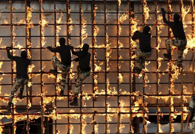 14 hình ảnh huấn luyện quân sự khắc nghiệt nhất thế giới - 13