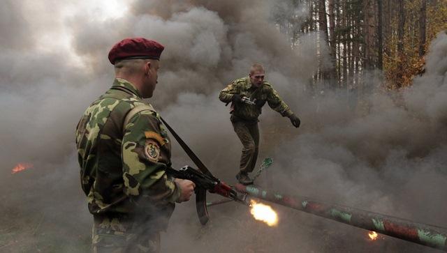 14 hình ảnh huấn luyện quân sự khắc nghiệt nhất thế giới - 8
