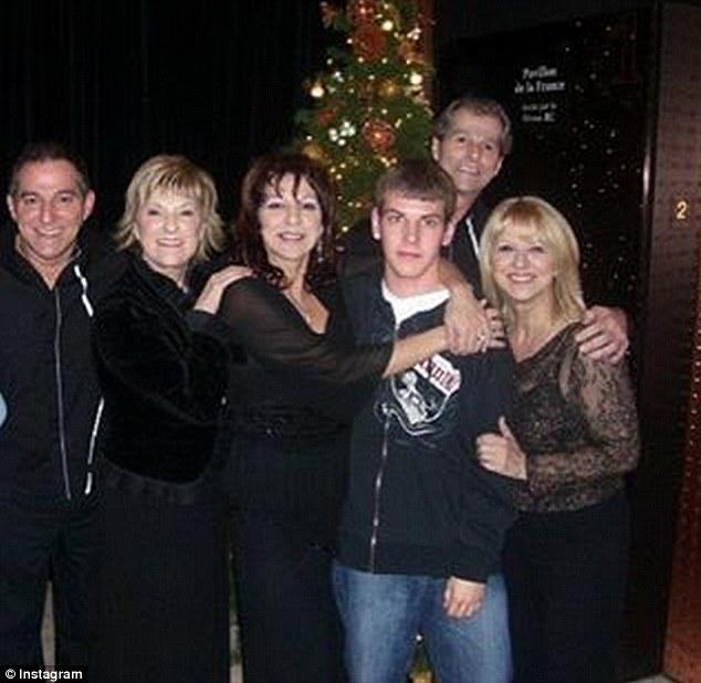 Anh trai Celine Dion qua đời sau 2 ngày chồng cô ra đi - 4