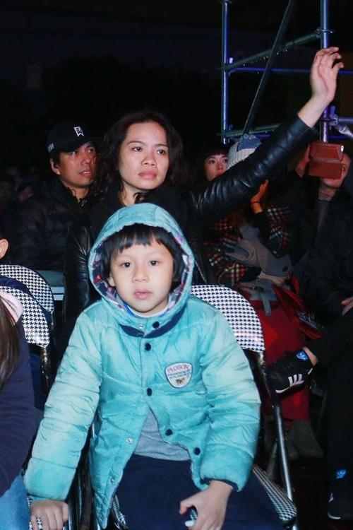 Vợ con, bạn bè chăm sóc Trần Lập trong hậu trường - 3