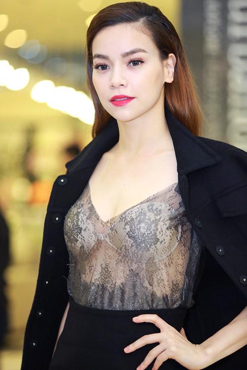 Váy áo 'hở mà không hư' của mỹ nhân Việt - 4