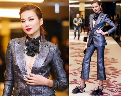 Váy áo 'hở mà không hư' của mỹ nhân Việt - 3