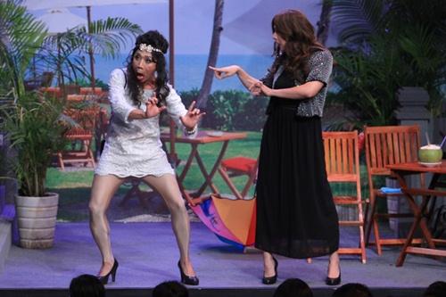Trấn Thành, Ngô Kiến Huy mặc váy 'choảng' nhau tơi tả - 2