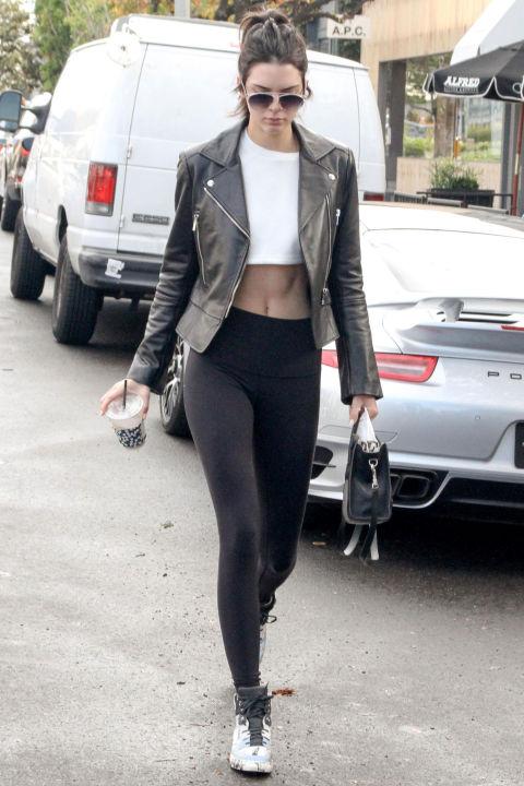 Học bộ đôi hot girl Hollywood cách mặc đồ tập ra phố - 10