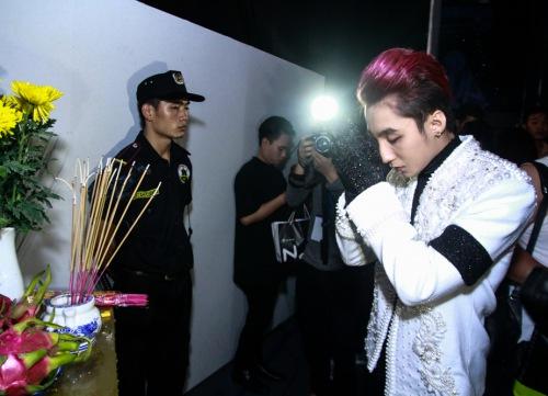 Sơn Tùng làm 'hoa hậu thân thiện' tại 'The Remix' - 6