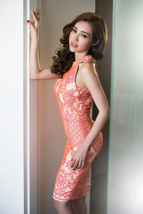 Elly Trần khoe đường cong nóng bỏng sau sinh 2 tháng - 14