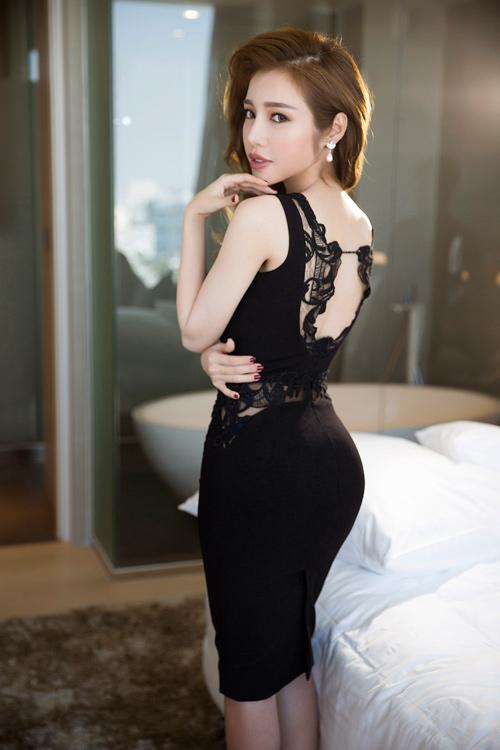 Elly Trần khoe đường cong nóng bỏng sau sinh 2 tháng - 9