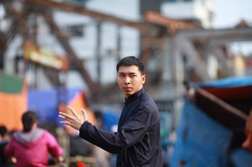 'Vợ chồng Diệp Vấn' ngao du trên phố Hà Nội - 12