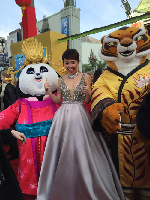 Tóc Tiên gợi cảm bên dàn sao 'Kungfu Panda 3' tại Mỹ - 1