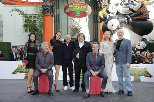 Tóc Tiên gợi cảm bên dàn sao 'Kungfu Panda 3' tại Mỹ - 10