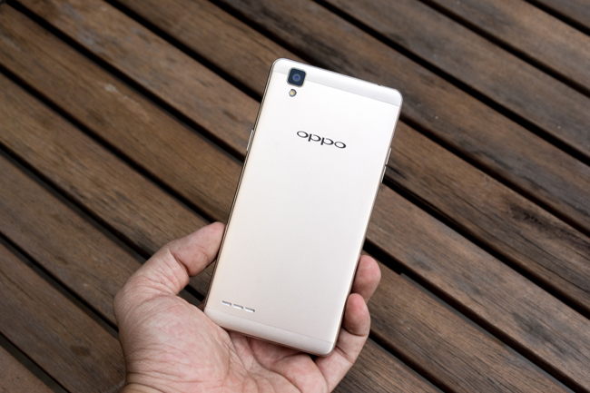 Oppo vừa tung ra thị trường dòng sản phẩm Oppo F1 với RAM 3GB, camera trước lên tới 8MP kèm nhiều tính năng độc đáo.