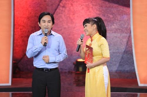 Kim Tử Long bối rối trước động tác hình thể của Việt Hương - 1