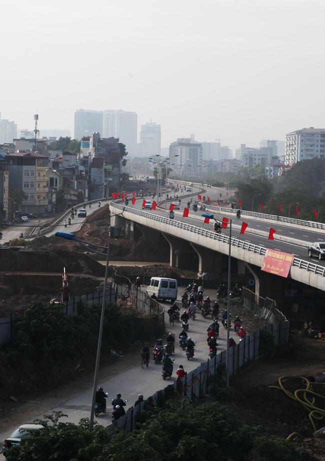 Cận cảnh đường 6.000 tỷ nối Cầu Giấy-Nhật Tân ở Hà Nội - 6
