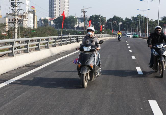 Cận cảnh đường 6.000 tỷ nối Cầu Giấy-Nhật Tân ở Hà Nội - 8