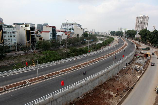 Cận cảnh đường 6.000 tỷ nối Cầu Giấy-Nhật Tân ở Hà Nội - 9