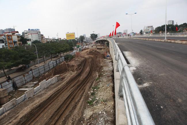 Cận cảnh đường 6.000 tỷ nối Cầu Giấy-Nhật Tân ở Hà Nội - 10