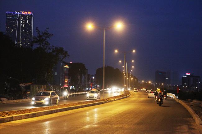 Cận cảnh đường 6.000 tỷ nối Cầu Giấy-Nhật Tân ở Hà Nội - 14