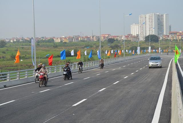 Ngắm cầu vượt thép lớn nhất Thủ đô trong ngày thông xe - 6