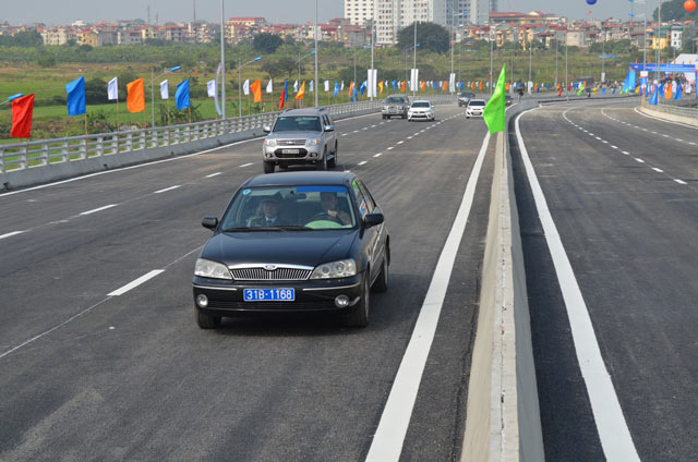 Ngắm cầu vượt thép lớn nhất Thủ đô trong ngày thông xe - 5