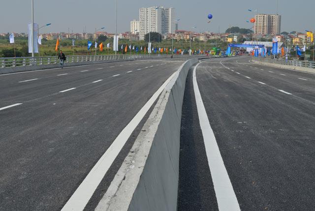 Ngắm cầu vượt thép lớn nhất Thủ đô trong ngày thông xe - 7