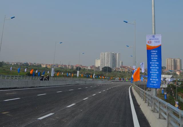 Ngắm cầu vượt thép lớn nhất Thủ đô trong ngày thông xe - 8