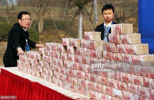 """Đại gia xây dựng thưởng tết cả """"núi"""" tiền cho công nhân - 5"""