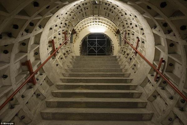 """Hé lộ """"đường hầm chiến tranh"""" bí mật ở London - 2"""