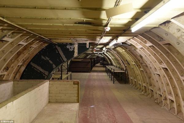 """Hé lộ """"đường hầm chiến tranh"""" bí mật ở London - 3"""