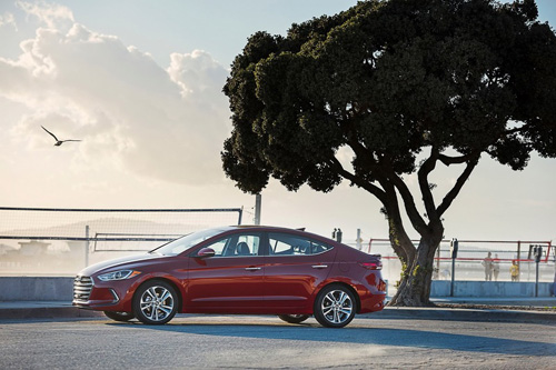 Công bố giá Hyundai Elantra 2017 - 4