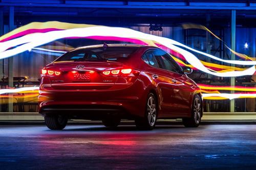 Công bố giá Hyundai Elantra 2017 - 5