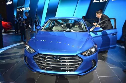 Công bố giá Hyundai Elantra 2017 - 15