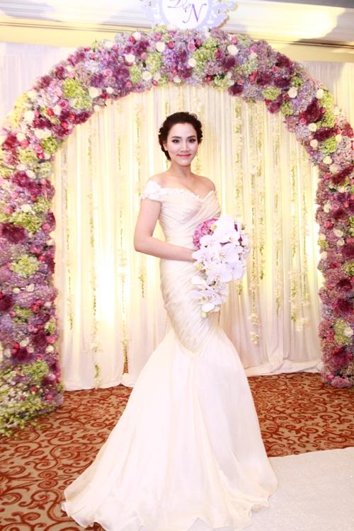 Trang Nhung lộng lẫy trong 'tiệc cưới 5 sao' - 1