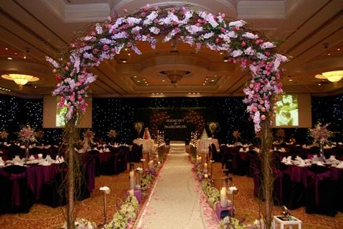 Trang Nhung lộng lẫy trong 'tiệc cưới 5 sao' - 9