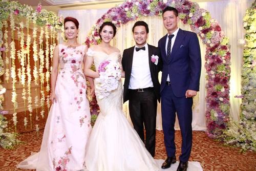Thúy Hạnh 'đụng' phong cách với cô dâu Trang Nhung - 1