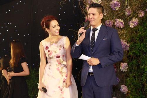 Con gái Trang Nhung lần đầu lộ diện trong tiệc cưới - 2
