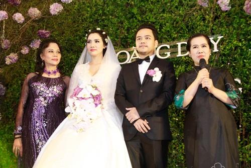 Con gái Trang Nhung lần đầu lộ diện trong tiệc cưới - 3